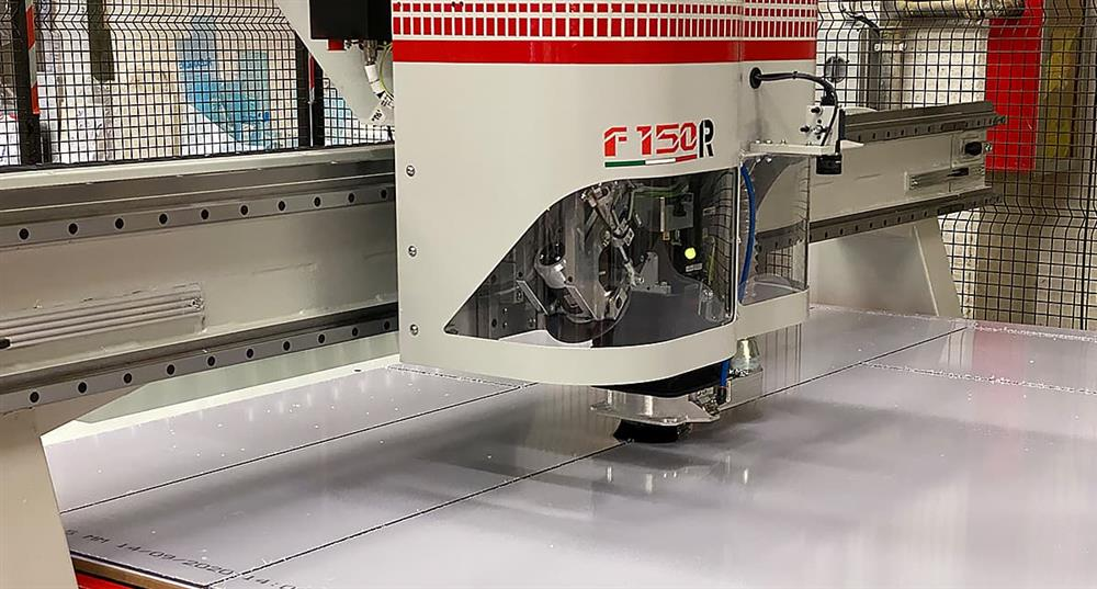 Macchina CNC Taglio su misura